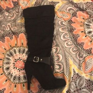 Shoes - Knee high heeled boots